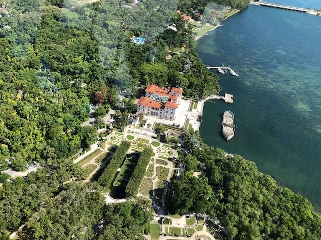 vue du ciel hélicoptère villa viscaya